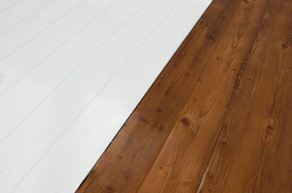Panel Sandwich Teja con interior blanco y madera imitacion