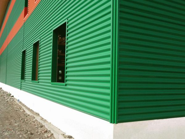 precio chapa para fachadas minionda en color verde