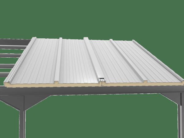 montaje del panel sandwich tapajuntas sobre estructura metalica