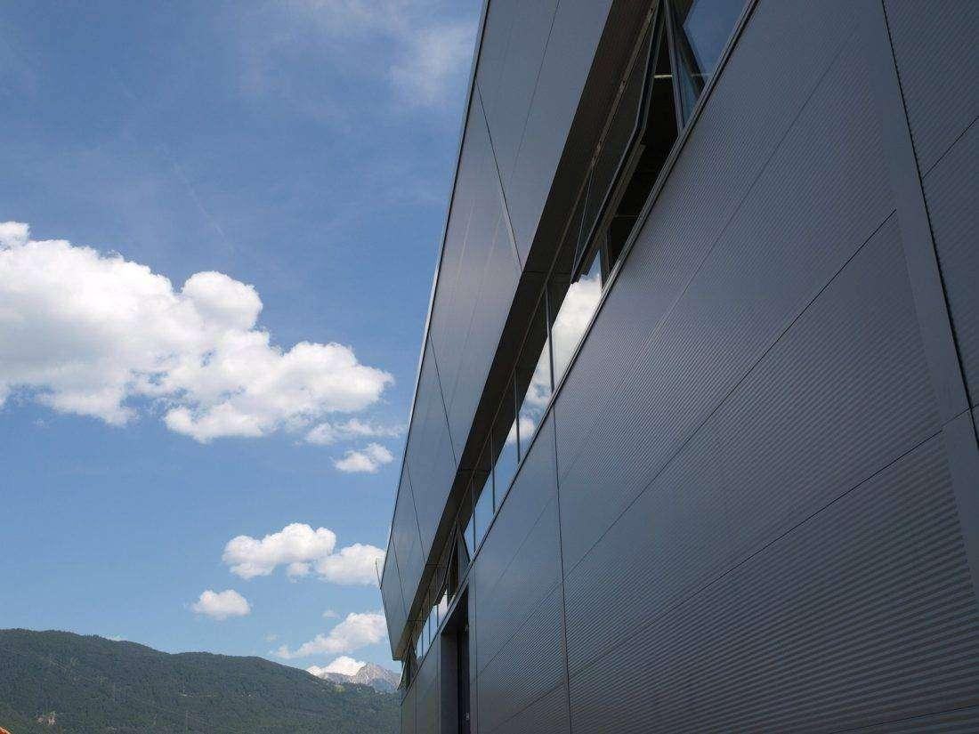 Panel para revestimiento de fachada